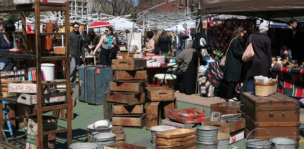 073113brooklyn-flea-hipster